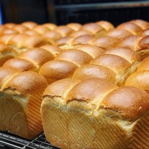 俺のベーカリー山型のパン